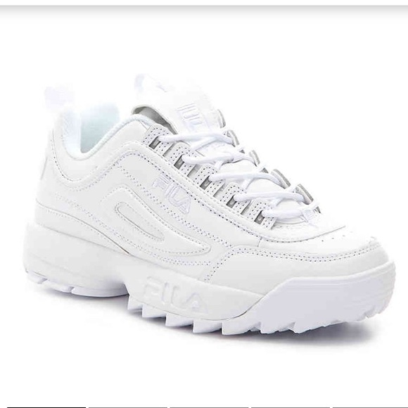a840a18042 Fila disruptor All white. Brand new with box. 5.5